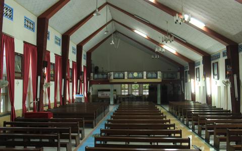 教堂內由臺上拍攝的角度。